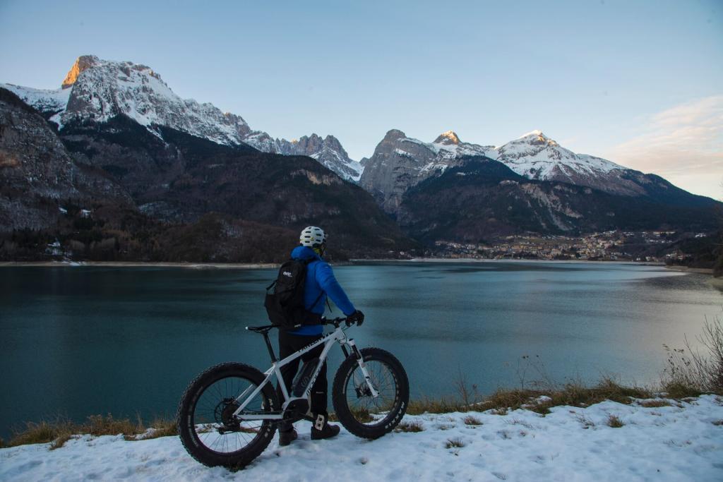 In bike sulla neve con le Fat Bike in Trentino sulle Dolomiti Paganella