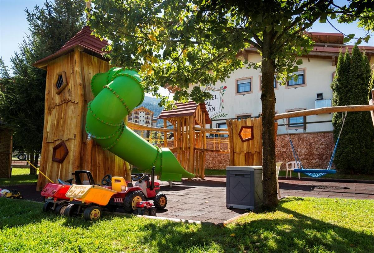 Hotel Ambiez gioco esterno