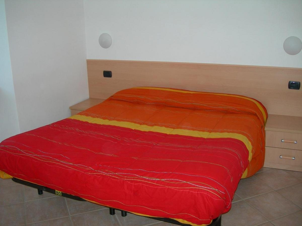 Osti Mario - camera da letto