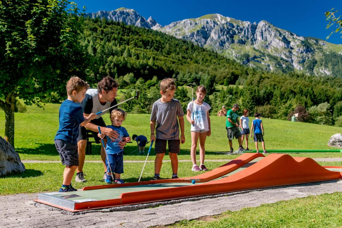 2016_PHMatteoDeStefano_Andalo_bambini_giochi_montagna_family_baby_cars_kart_macchinine_parco_LifePark_Dolomiti_Paganella_Trentino_(3)
