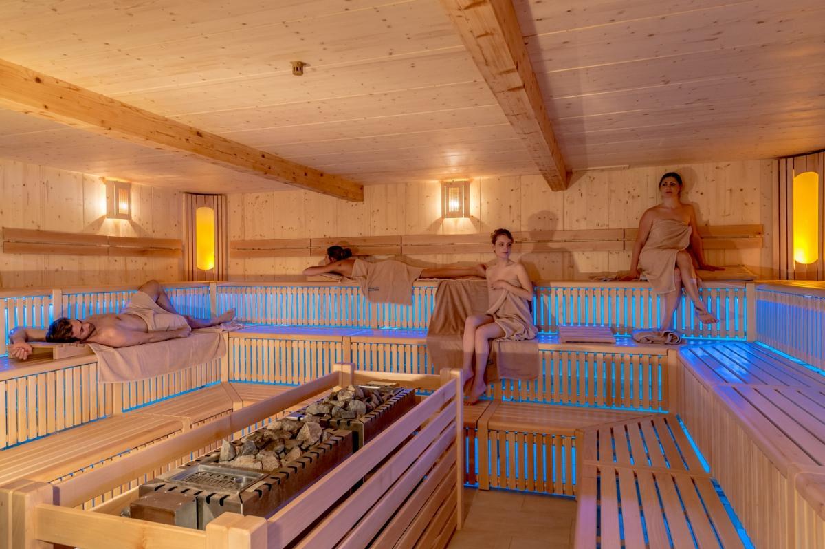 2016 PHMatteoDeStefano_Andalo_LifePark_Acquain_Trentino_Alto_Adige_Paganella_Dolomiti_Spa_Wellness_Benessere_Saune_Sauna_aufguss_(96)