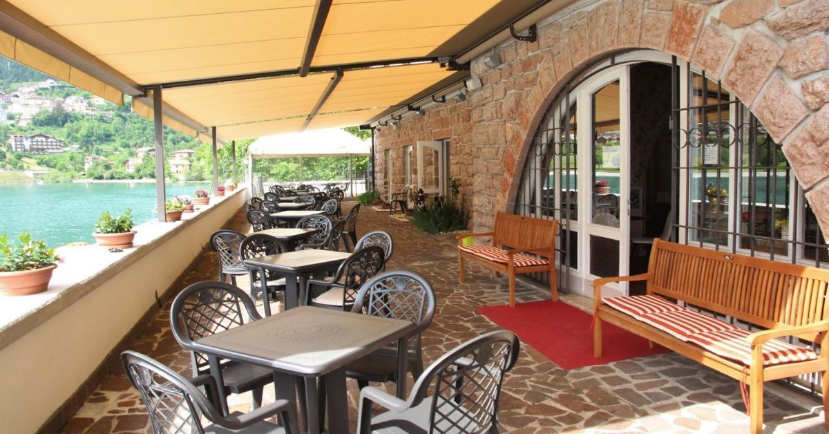 IMG_3078 fm rit ristorante esterno