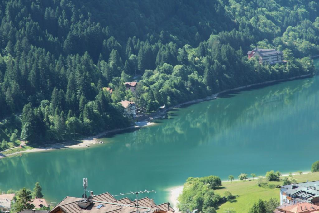Lago park Hotel da località Cros