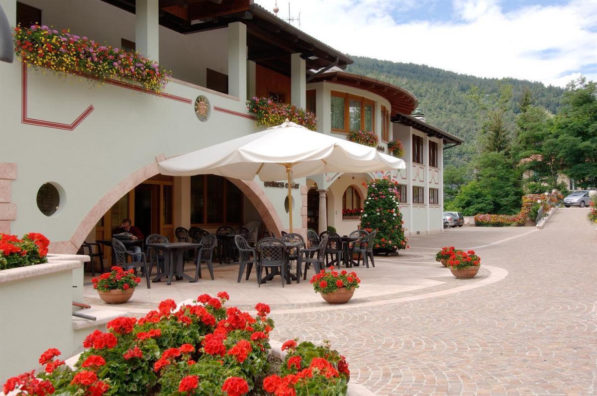 Hotel Arcobaleno_Fai della Paganella_esterno