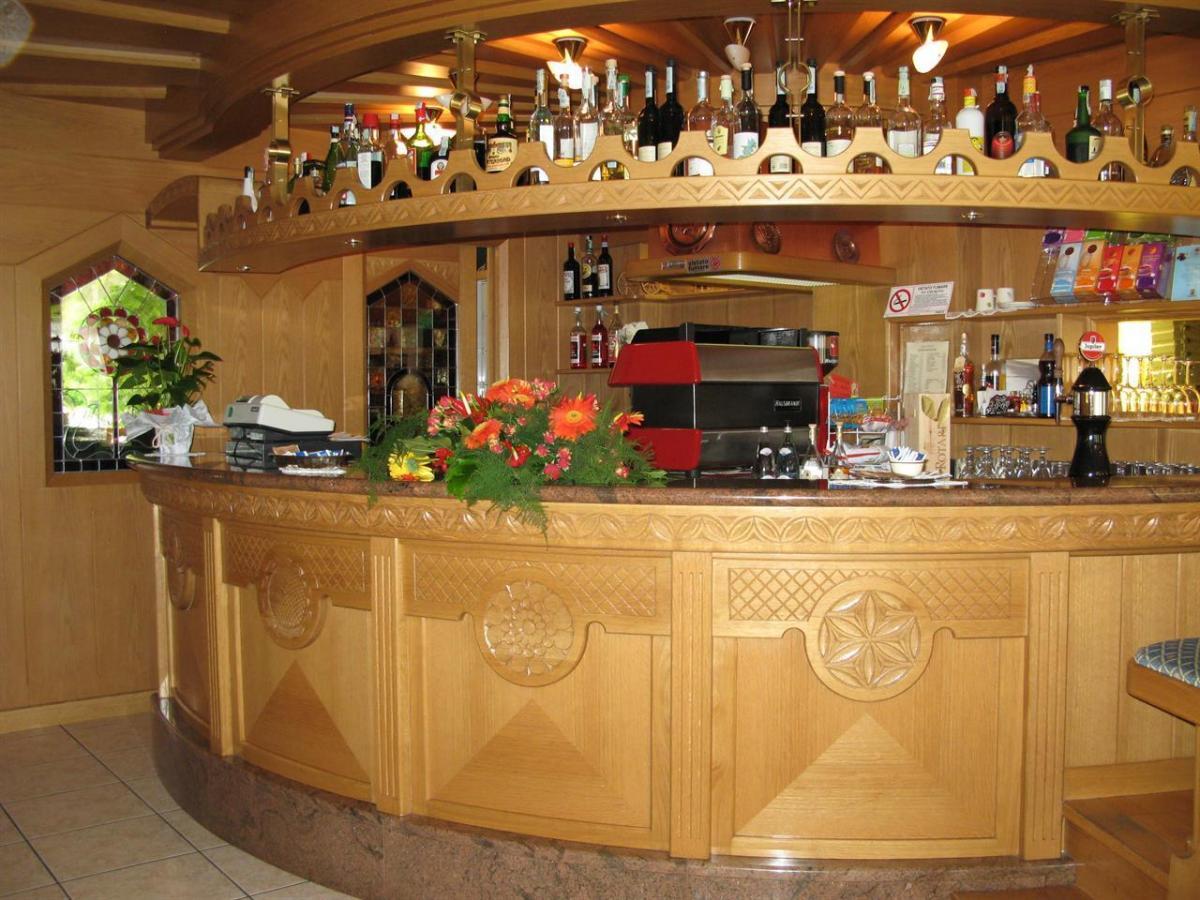 bar ALphotel Milano bancone