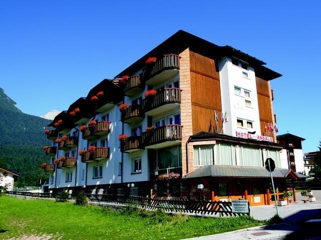 Hotel Andalo Estate