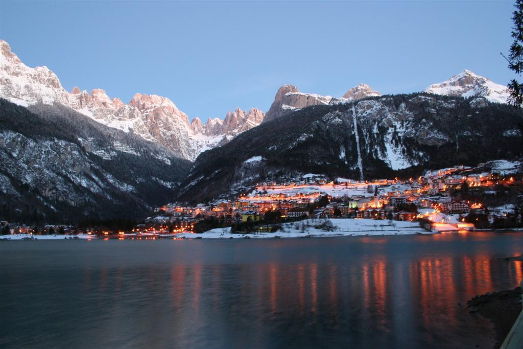 Molveno winter tramonto