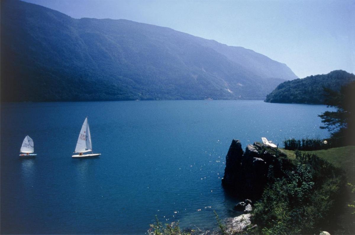 Passeggiata sul lago di Molveno