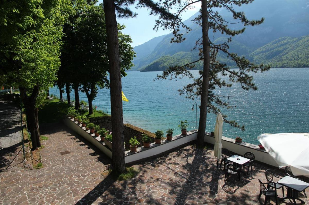 veranda e patio sul lago