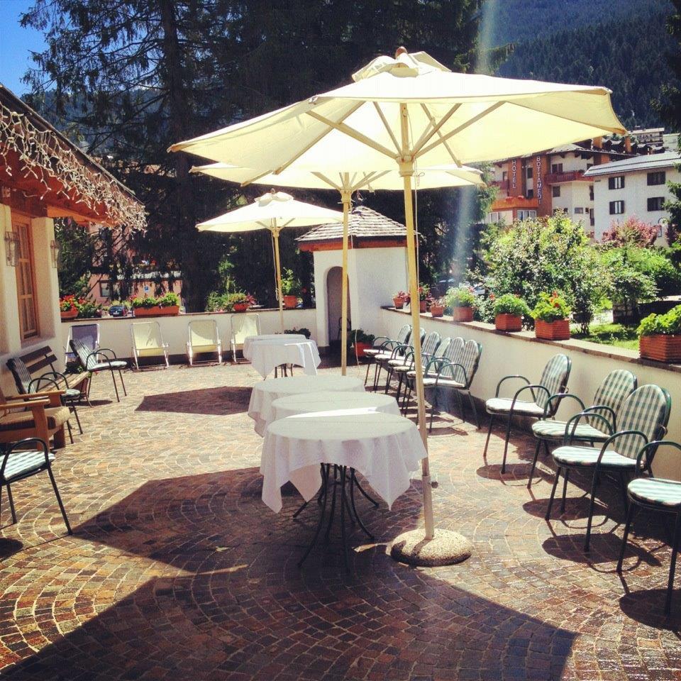 Un zona della terrazza Park Hotel Sport di Andalo