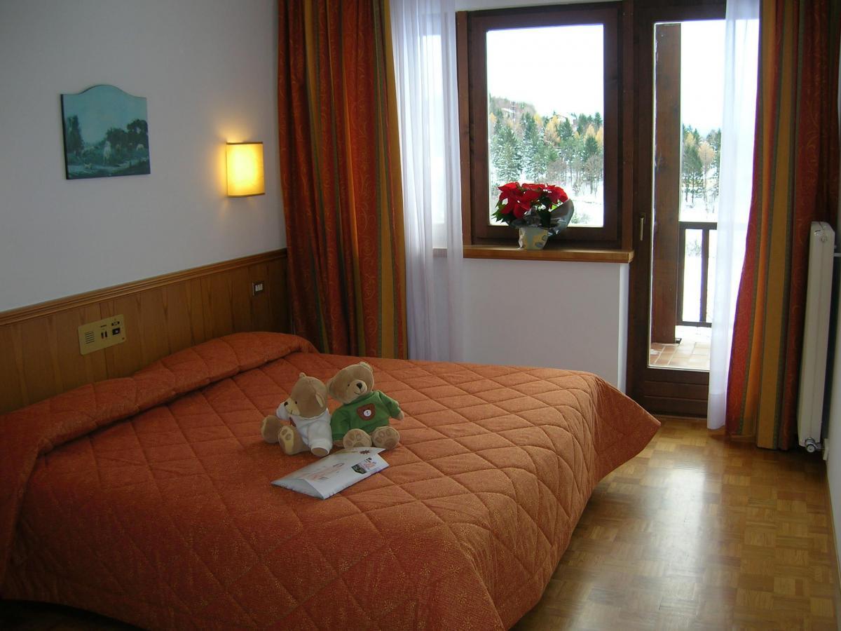 Hotel Arcobaleno_Fai della Paganella_standard room
