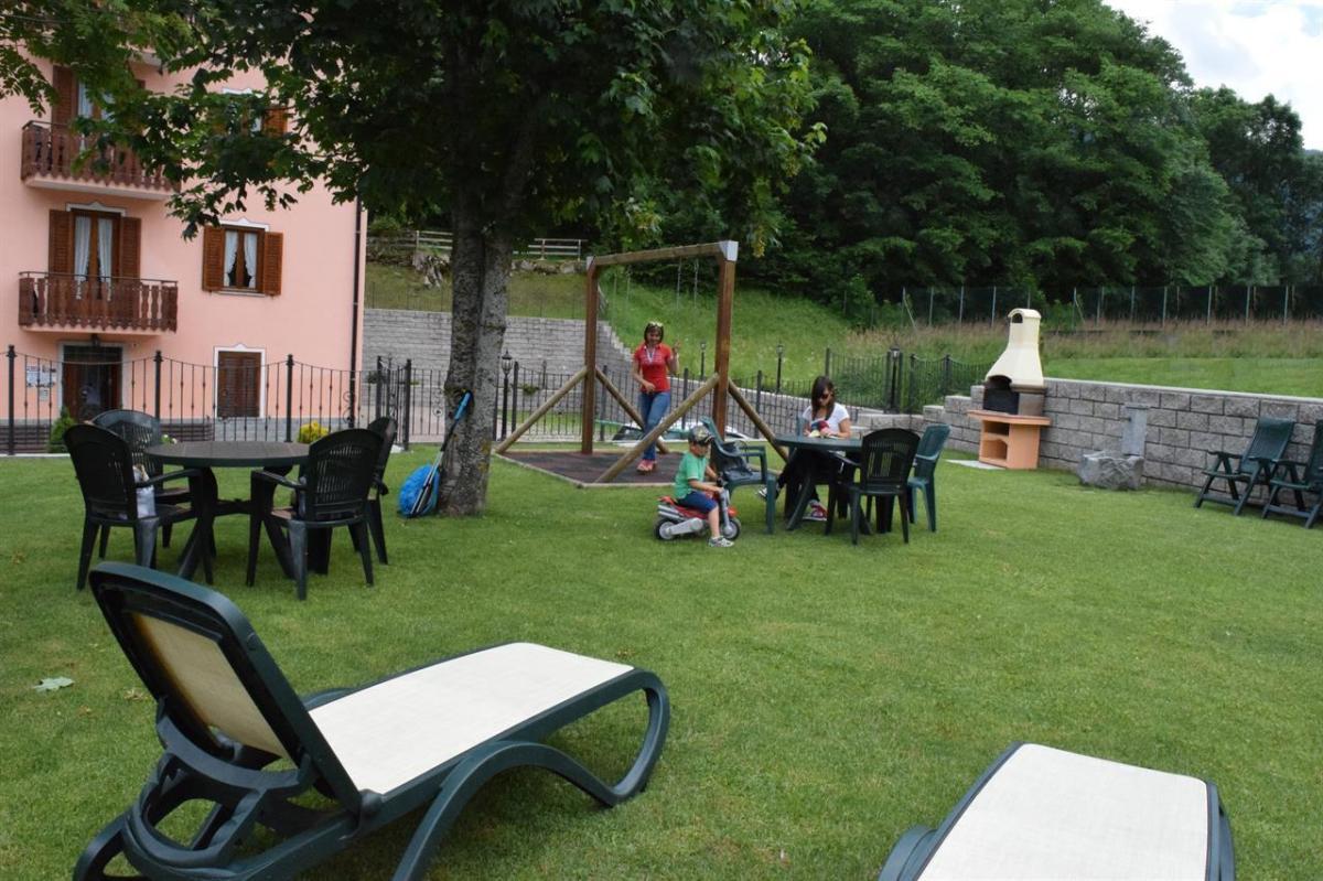 Edificio, lato giardino 6