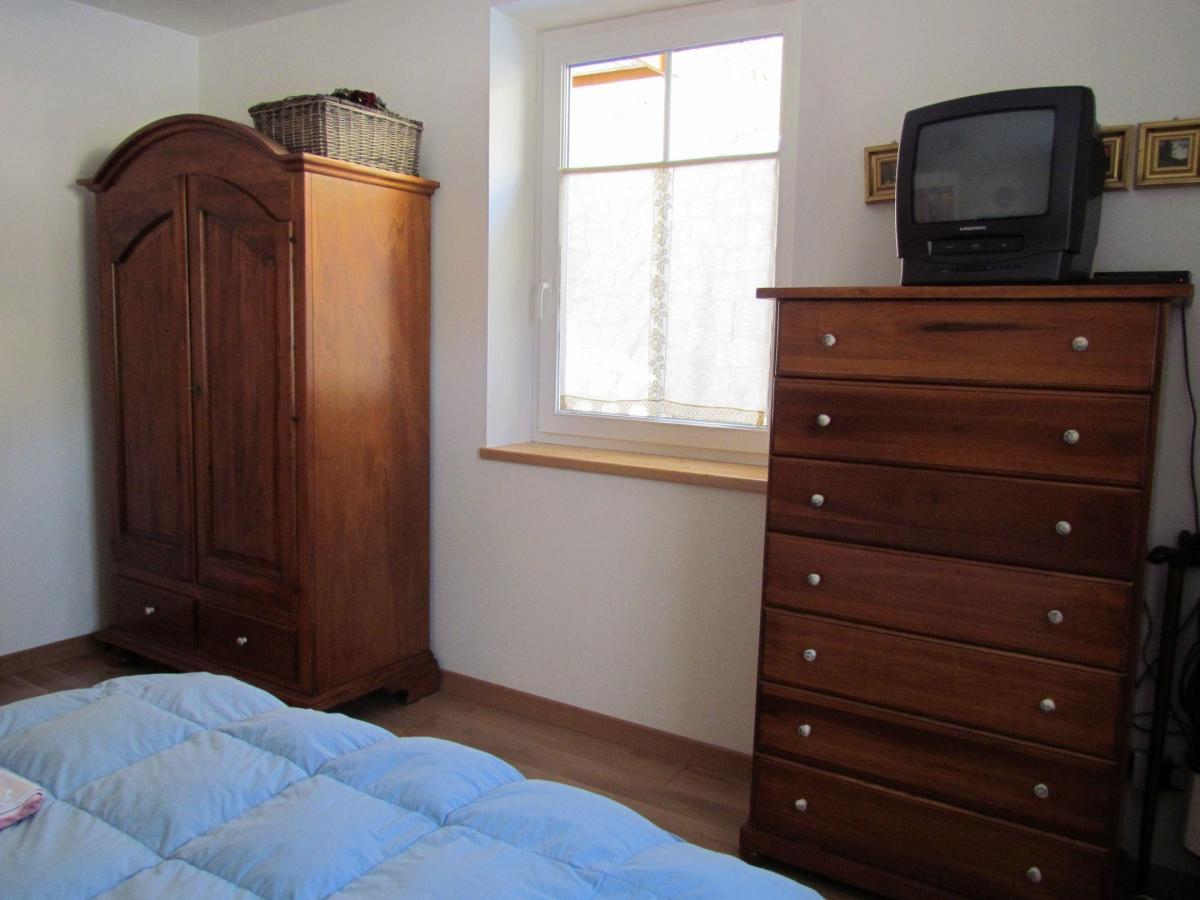 La perla del lago - camera da letto