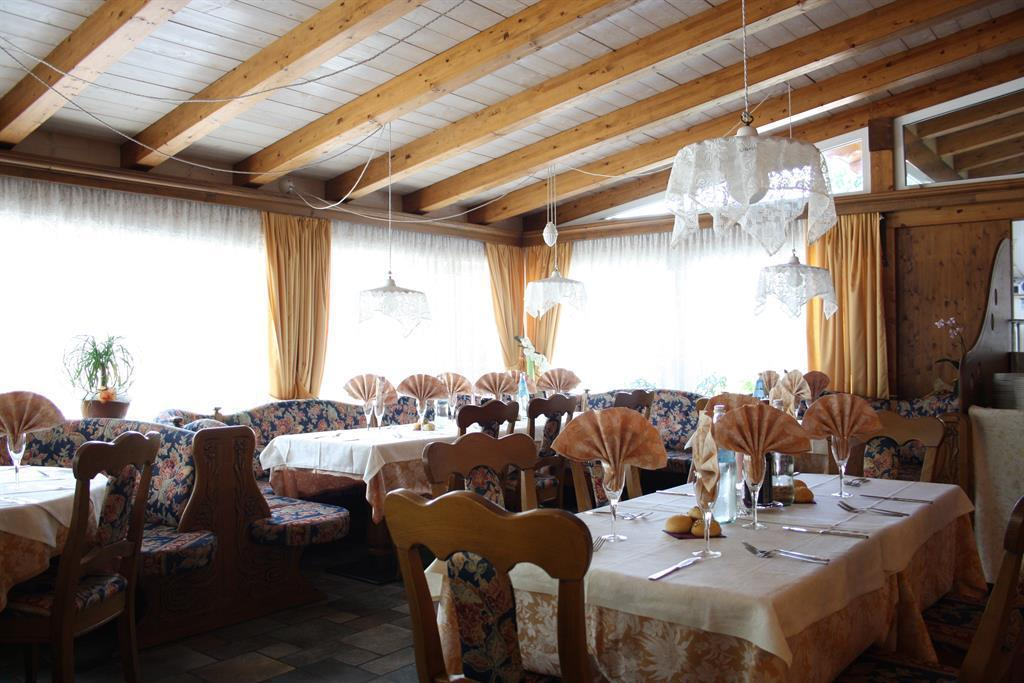 sala da pranzo 03 Alt Spaur