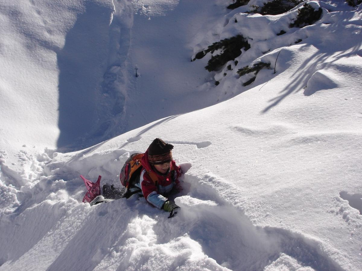 ciaspole_escursione sulla neve_ph.S.Elmi_APT_DolomitiPaganella