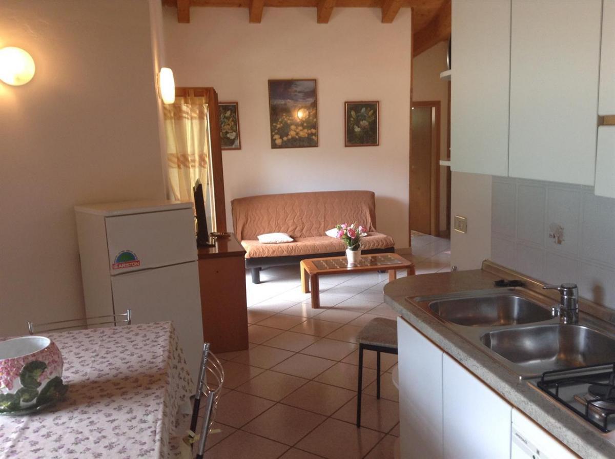 villa primula terzo piano_cucina e soggiorno (2)