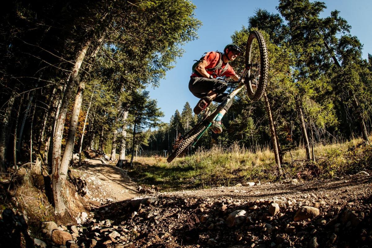 Evoluzioni dei Bikers in Paganella