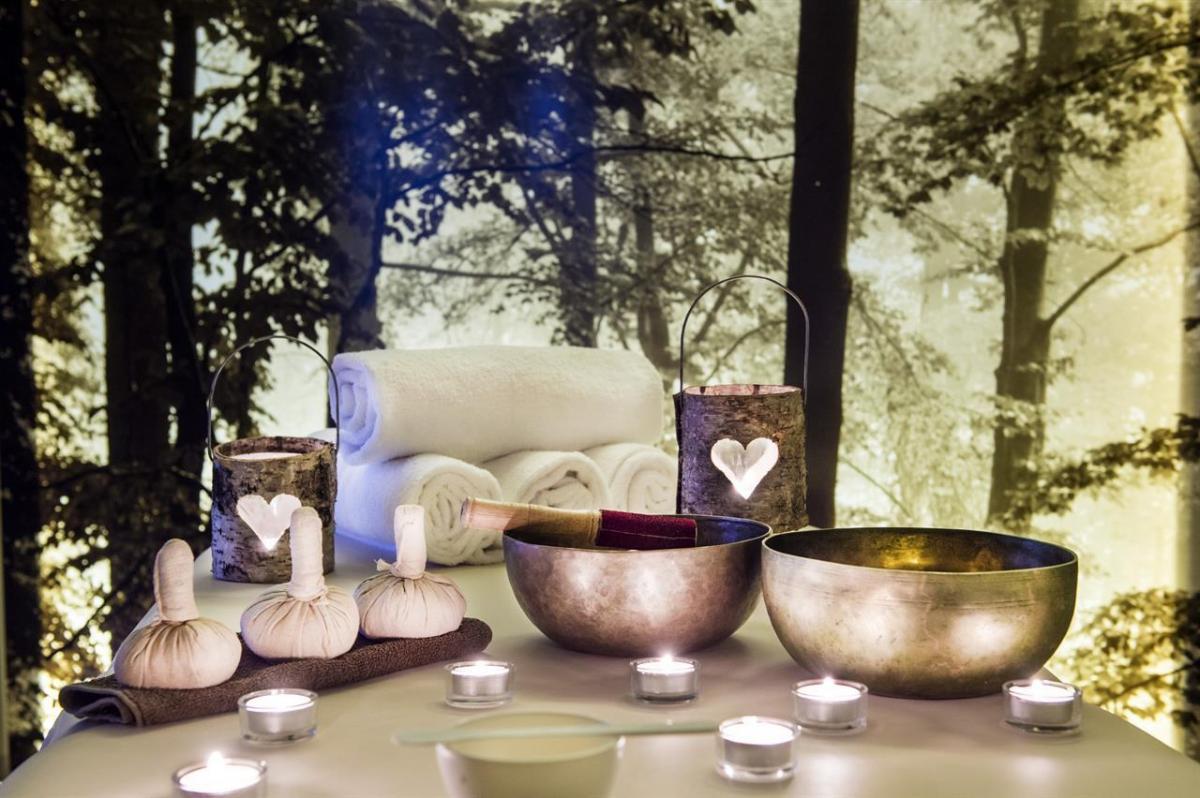 atmosfere romantiche in sala massaggi