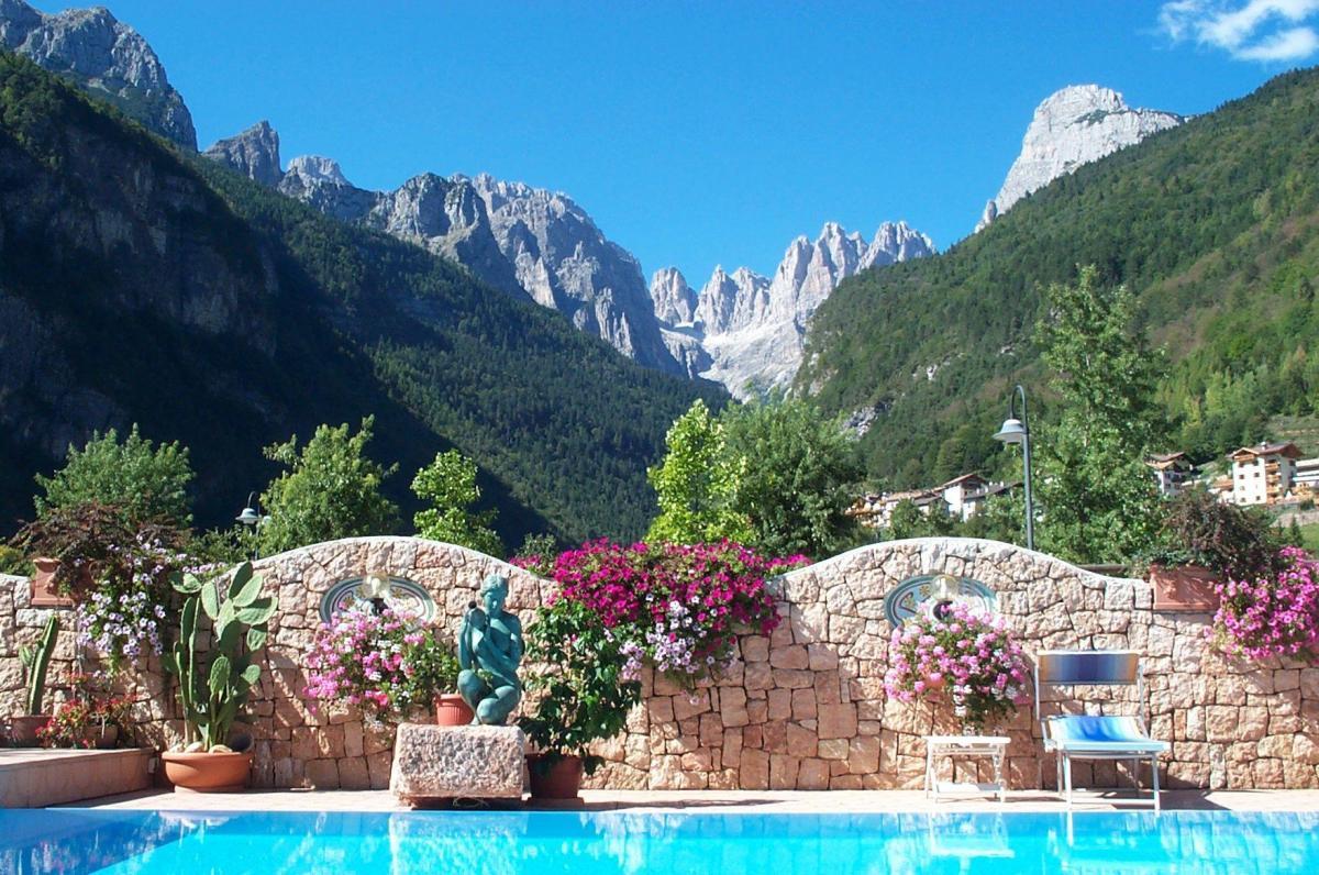 Alle dolomiti boutique lake hotel ricettivit molveno - Hotel a molveno con piscina ...