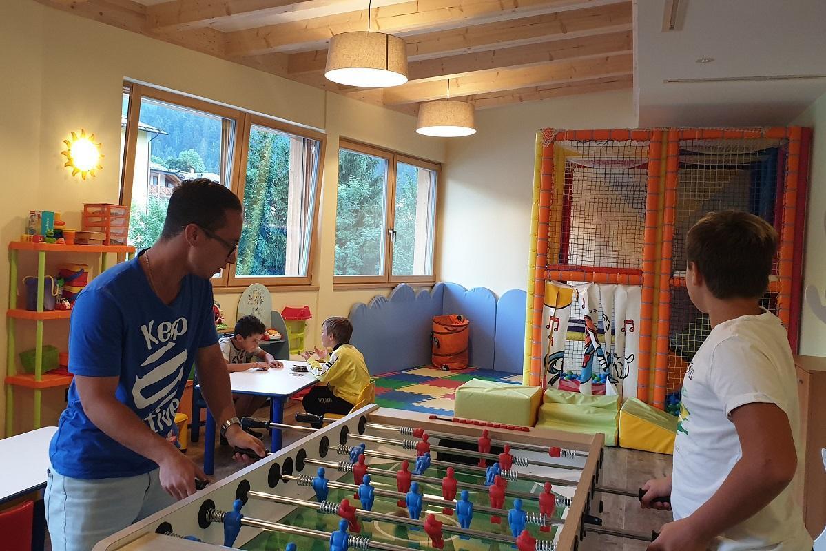 giocare nella Sala giochi Alphotel Milano 4  3 pic