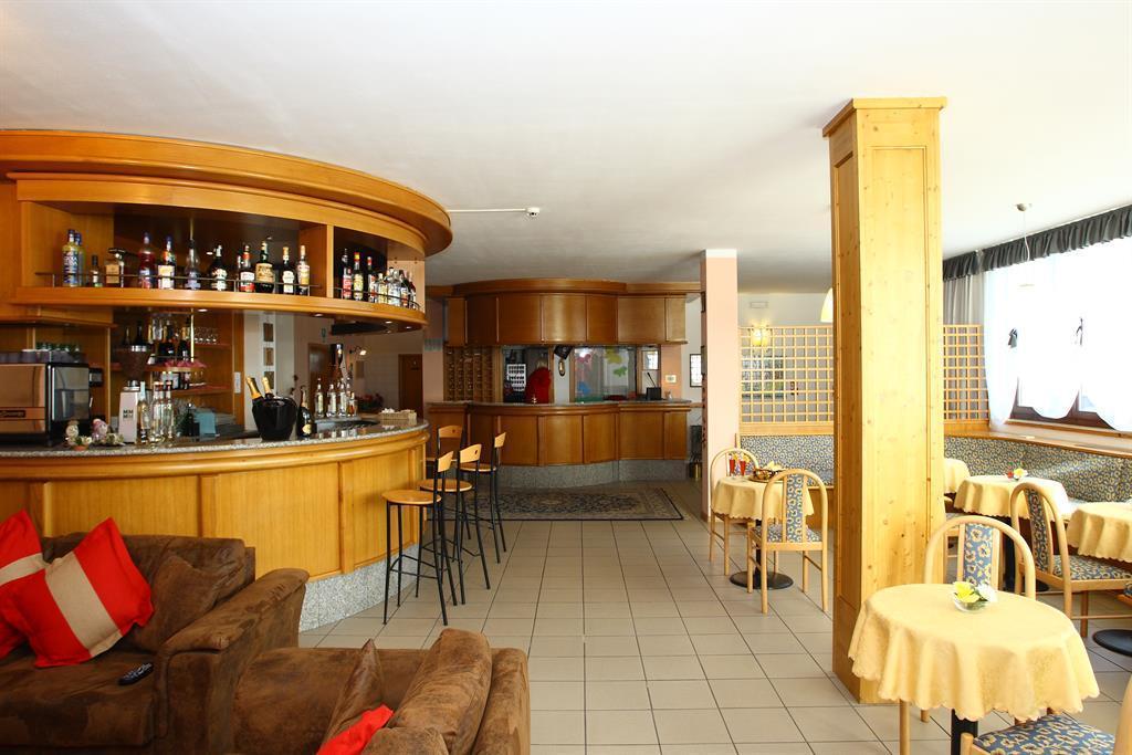 bar Hotel Montana