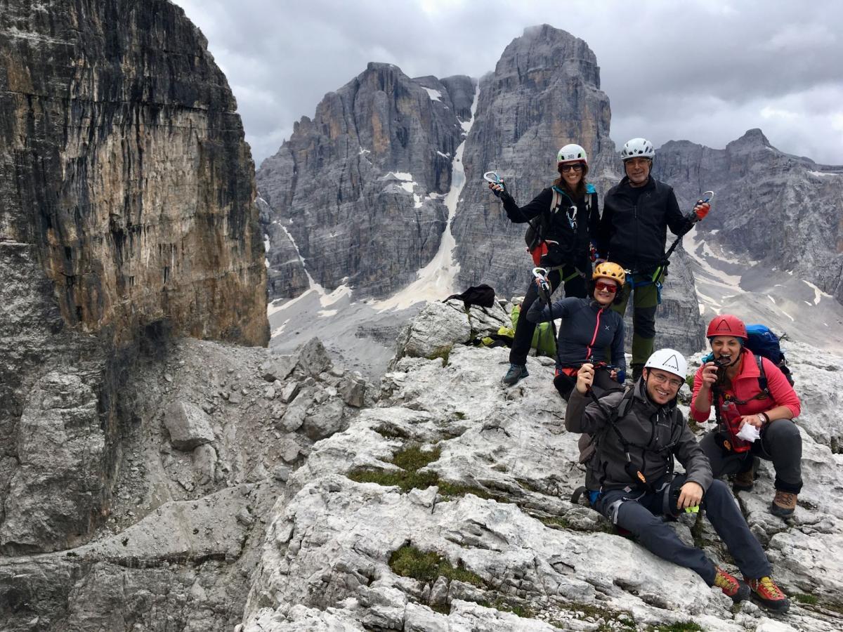 Gruppo con Guida sulle Dolomiti di Brenta