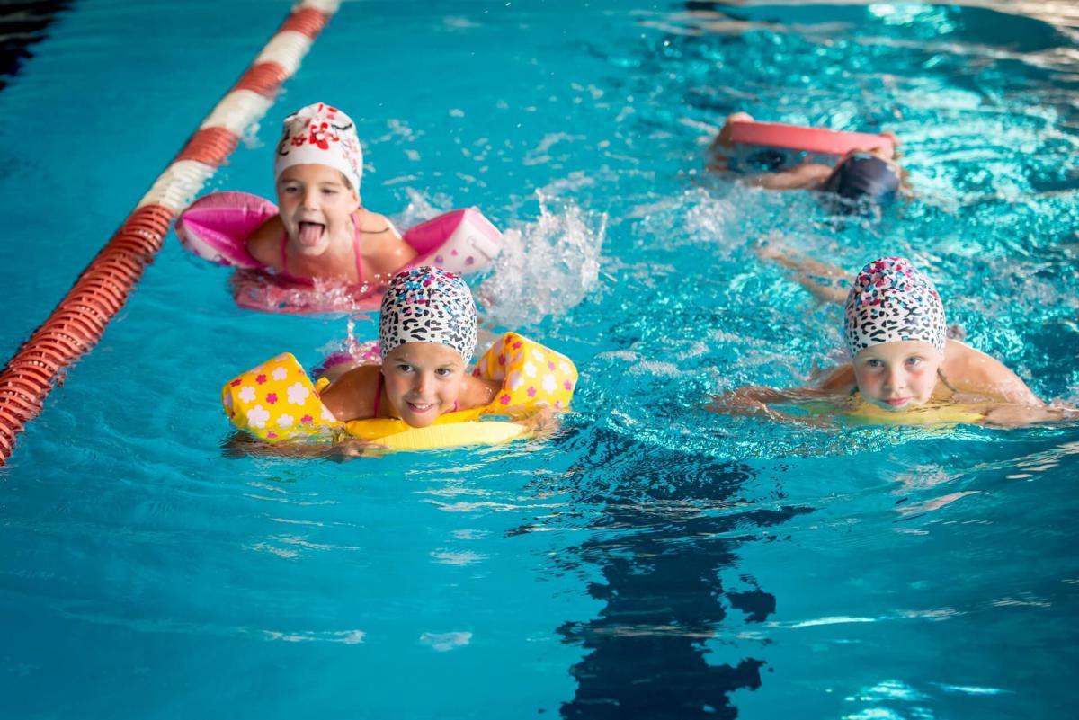 Acqua in piscine ad andalo azienda per il turismo - Corsi per neonati in piscina ...