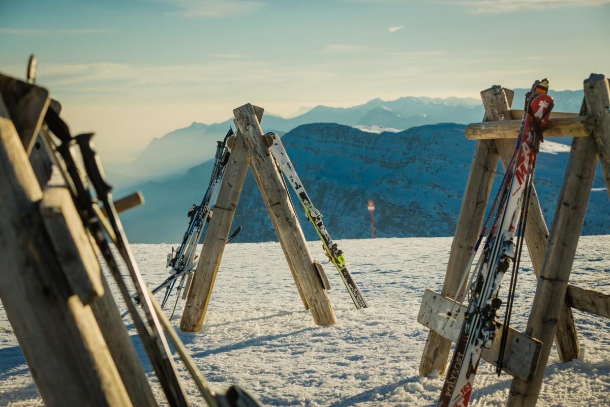 Sciare in Trentino sulle Dolomiti di Brenta nella Skiarea della Paganella