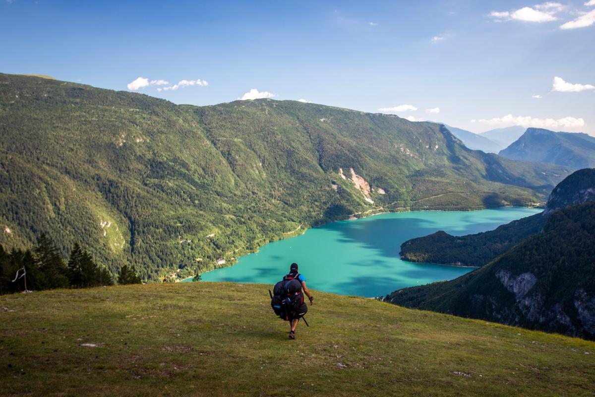 Punto di decollo con vista sul Lago di Molveno