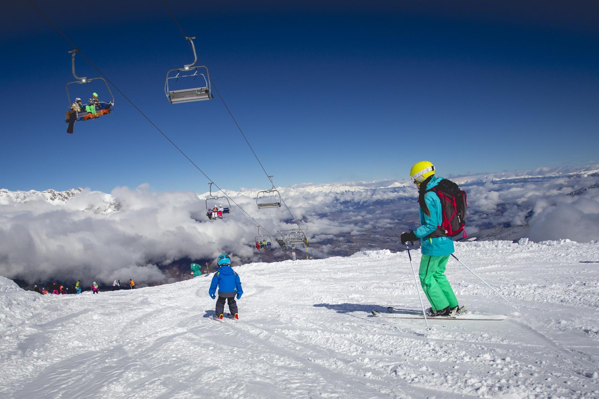 Educational ski camps