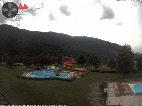 Webcam Paganella: Centro Piscine Molveno: piscina ludica