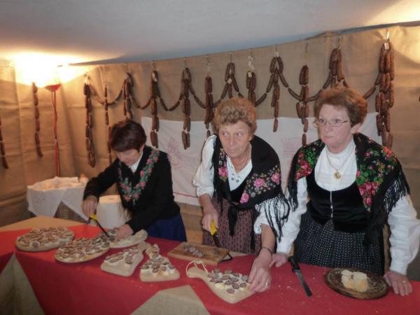Scopri di più Sagra della Ciuìga tra le Dolomiti di Brenta