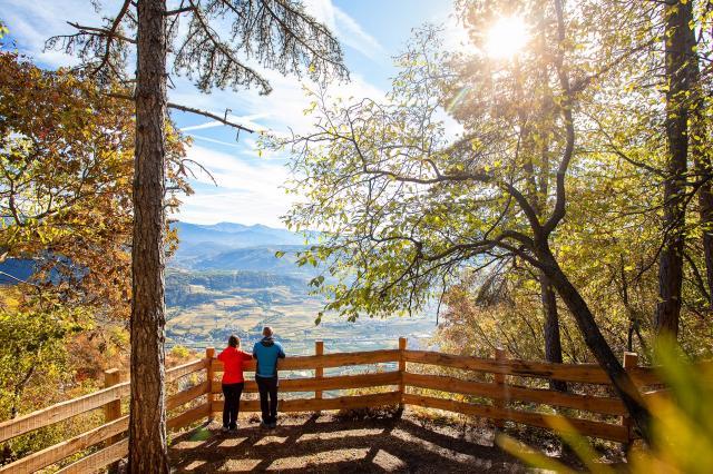 Der Zauber der Herbstfärbung: Fünf bunte Ausflüge in Dolomiti Paganella