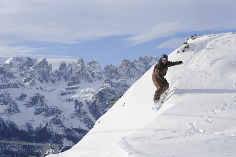 Snowboard in Paganella