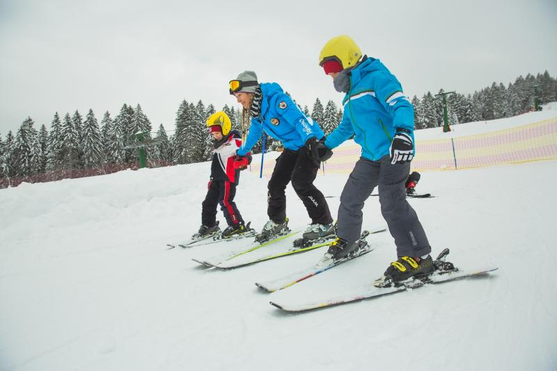 Educational ski camps