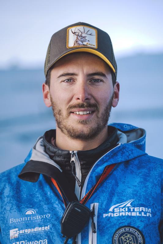 Luca, l'allenatore di sci